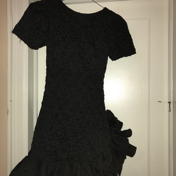 Vintage Dresses Black Textured Ruffle Bottom Prom Dress Poshmark